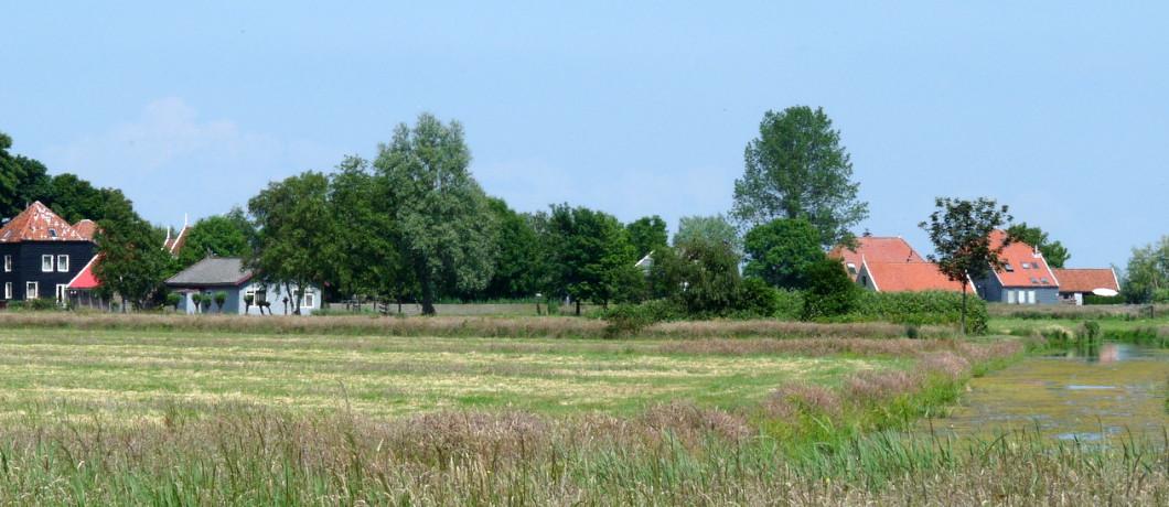 Houten huizen in Waterland