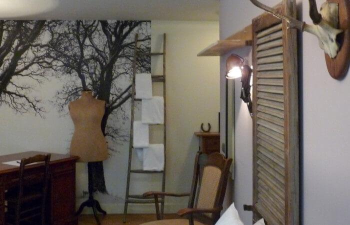 Inrichting kamer bij hotel Meneer van Eijck in Oisterwijk