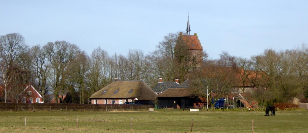 Brinkdorp Anloo met romaanse kerk