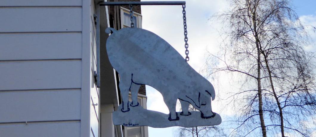 Uithangbord van De Pasteibakkerij in Amsterdam