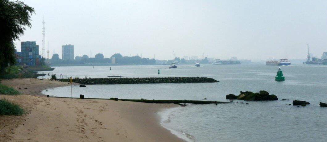 Het verborgen strand van Rotterdam achter het Quarantaineterrein - Reisblog Davides