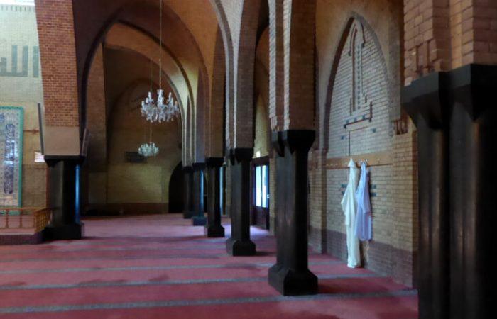 Gebedskleden in de voormalige Zaaier-kerk