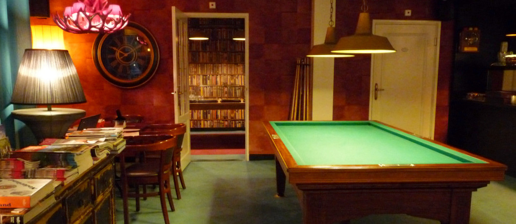 Biljart in hotel Tante Sien in Vasse