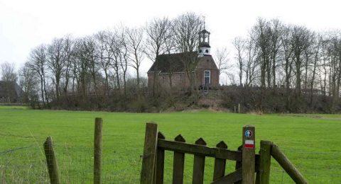 Kerk van Aalsum op een terp