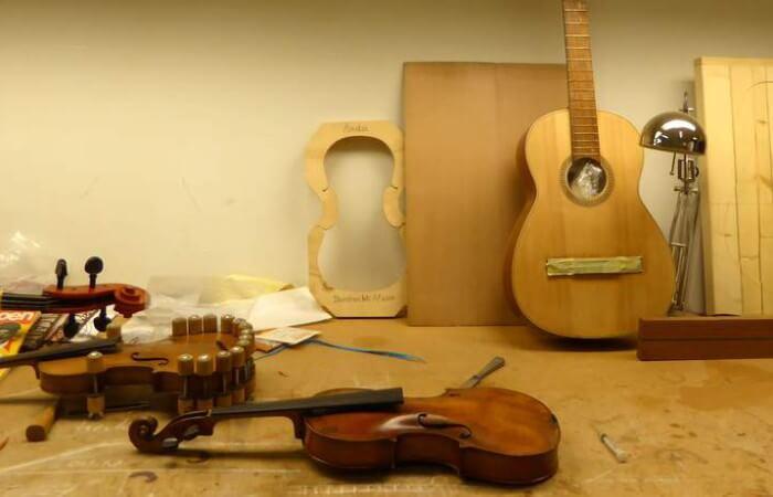 Violen en gitaren bij De Luthiers foto Davides