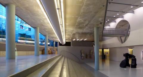Trappen en zichtlijnen van het CODA Museum