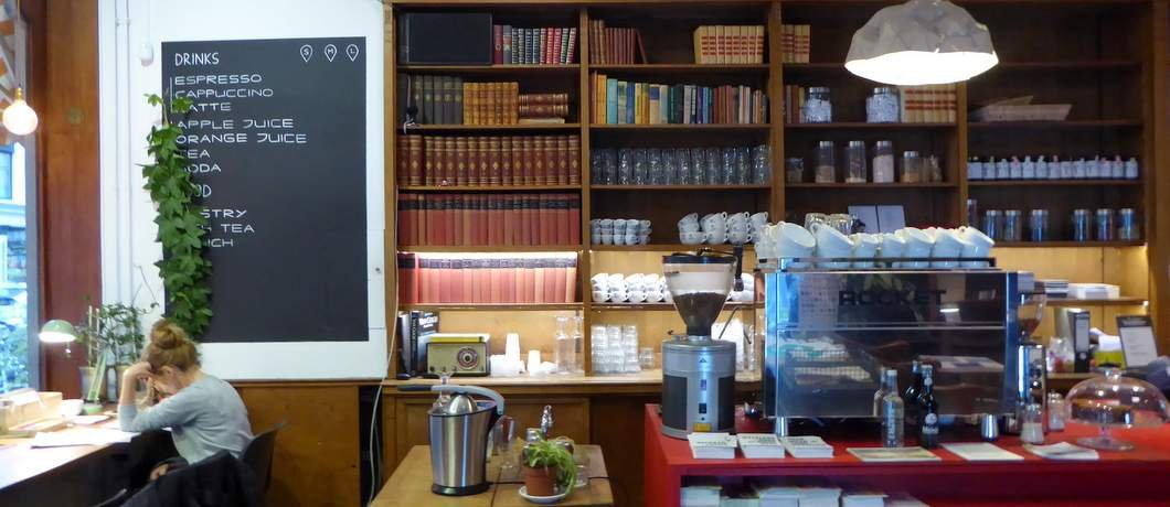 koffie-the-hague-bookstore-davides
