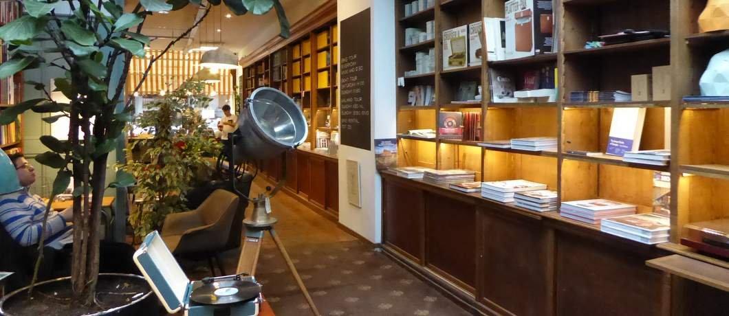 vintage-the-hague-bookstore-davides