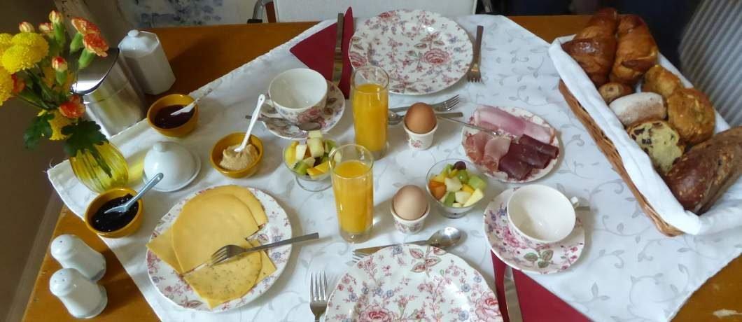 Biologisch uitgebreid ontbijt bij Pastorie Marie op Texel
