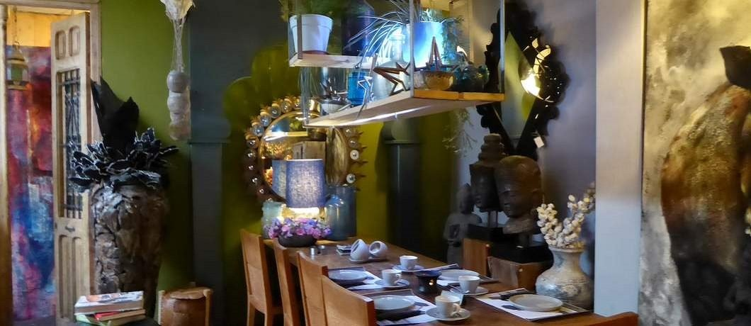 Ook de tafel is te koop in Teazone