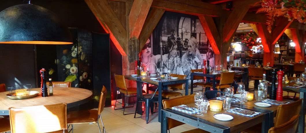 Sfeer in restaurant Van Rossum