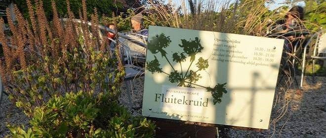 Huiskamercafé Fluitekruid op de Zeedijk van Dordrecht