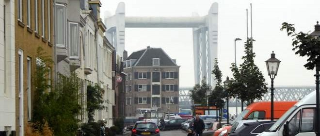 Zicht op de industrie van Dordrecht