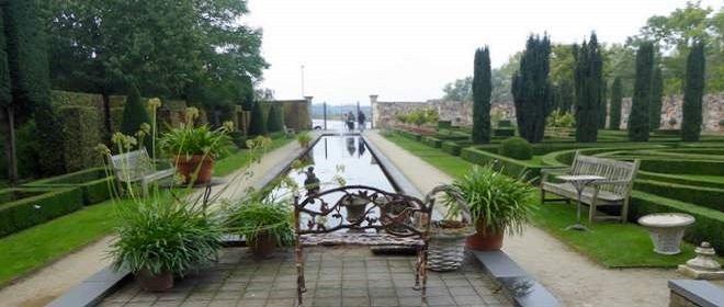 Tuin van Villa Augustus aan de rand van Dordrecht