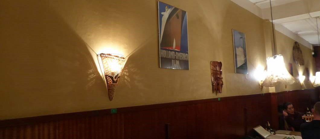 Inrichting van Indisch restaurant Soeboer in Den Haag