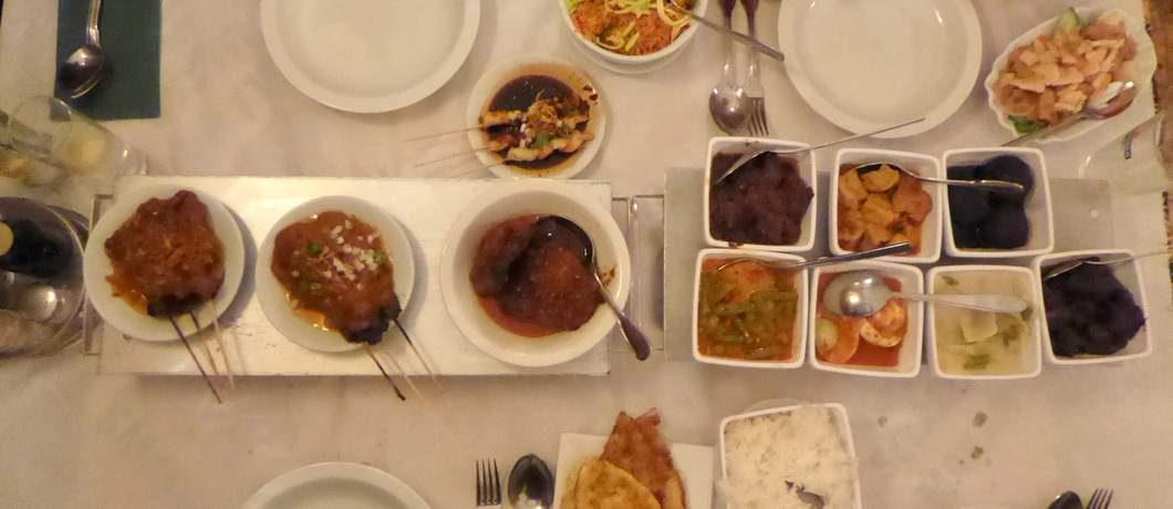 Rijsttafel Indisch restaurant Soeboer