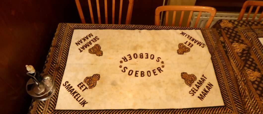Tafelkleed Indisch restaurant Soeboer