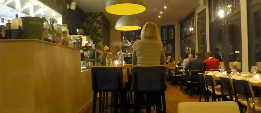 Moderne en Franse invloeden bij restaurant Voilà in Groningen