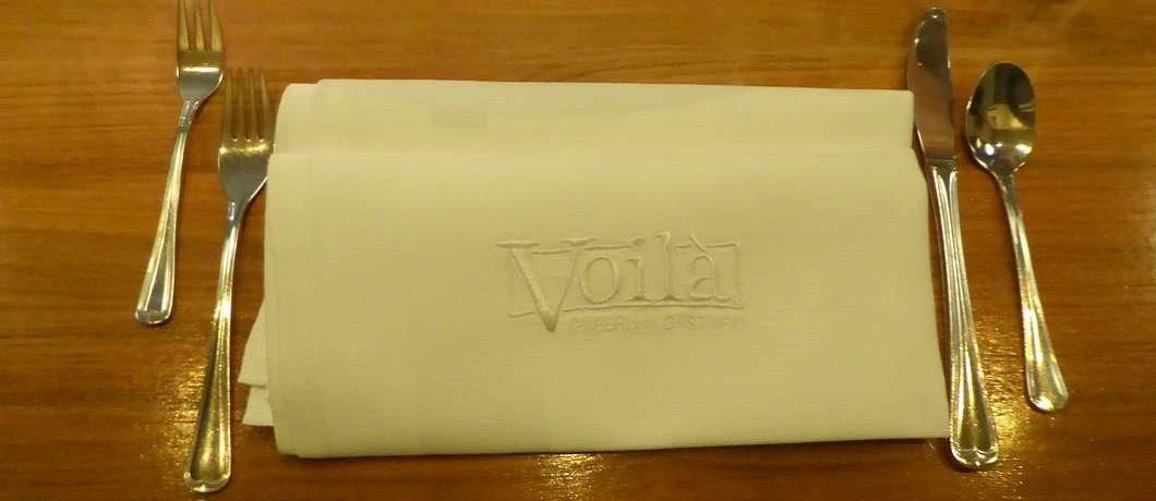 Servet in stijl bij restaurant Voilà in Groningen stad