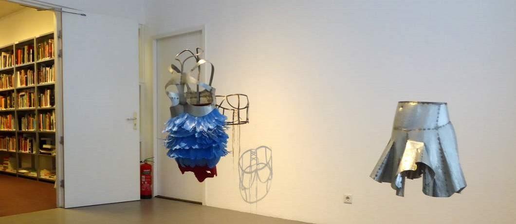 Kunstwerk van Naiza Khan in de Prince Claus Fund Gallery
