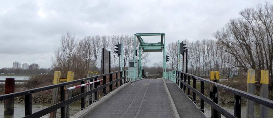 Ophaalbrug Eiland van Brienenoord Rotterdam
