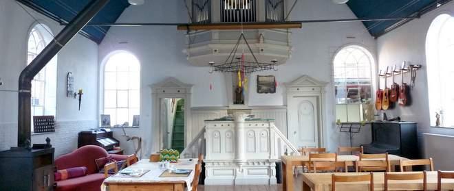 Het kerkje annex B&B Slapen in het orgel
