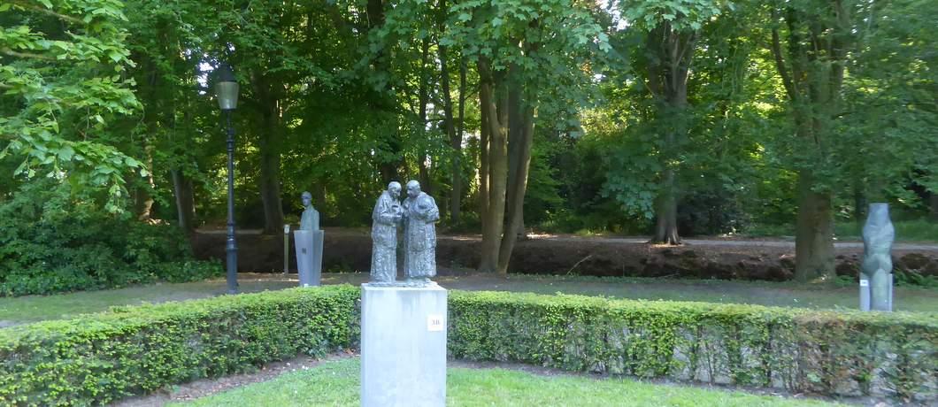 gesprek-geestelijken-pieter-d-hondt-beeldenpark-de-havixhorst-davides