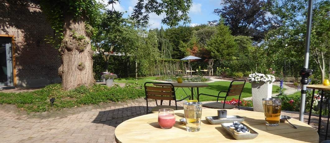 ontbijt-tuin-boutique-hotel-lytel-blue-davides