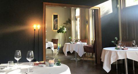 Kamer en suite met Het meisje met de parel in restaurant Vandeijck