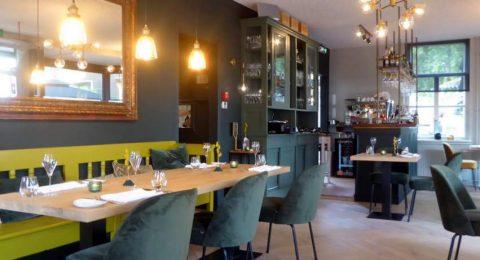 Ongedwongen sfeer binnen bij restaurant Tante Blanche in Brummen