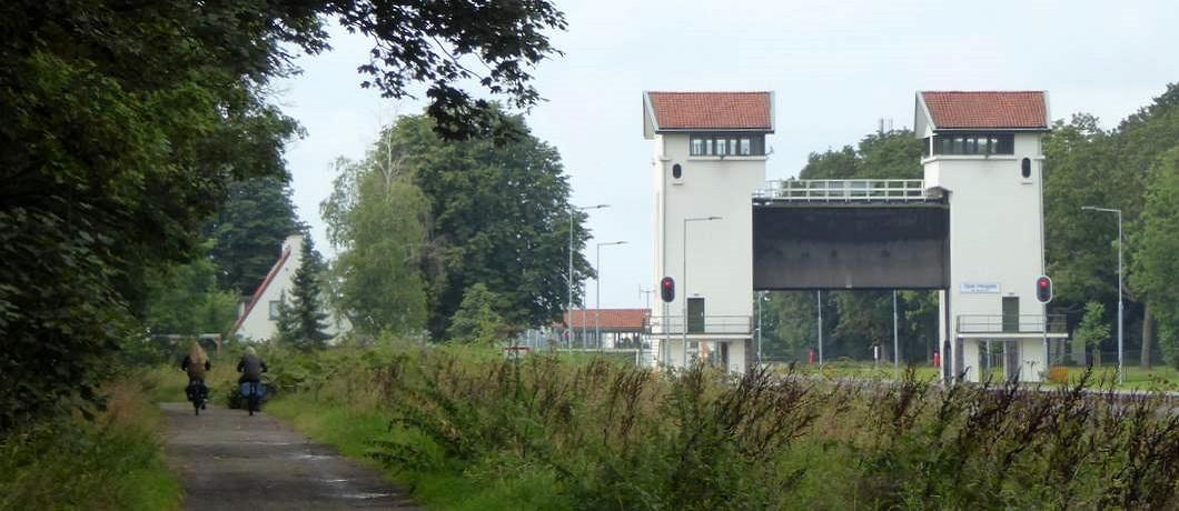 sluizencomplex-de-waarbeek-wandeling-twekkelo-kristalbad-twente-davides